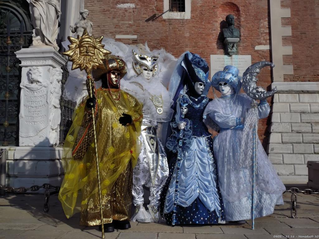 Парад_костюмов_в_Венеции
