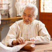 Бабушка из семьи Ван Жэнью, времён Пяти династий, жила более 200 лет