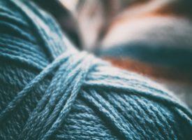 Вяжем стильный  шарф — шапочку  Снуд спицами ♥ или крючком .